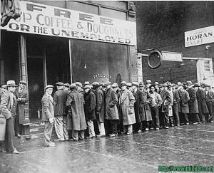 picturesque of American great depression in 1930: people were queuing for free food